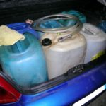 kanister-im-kofferraum