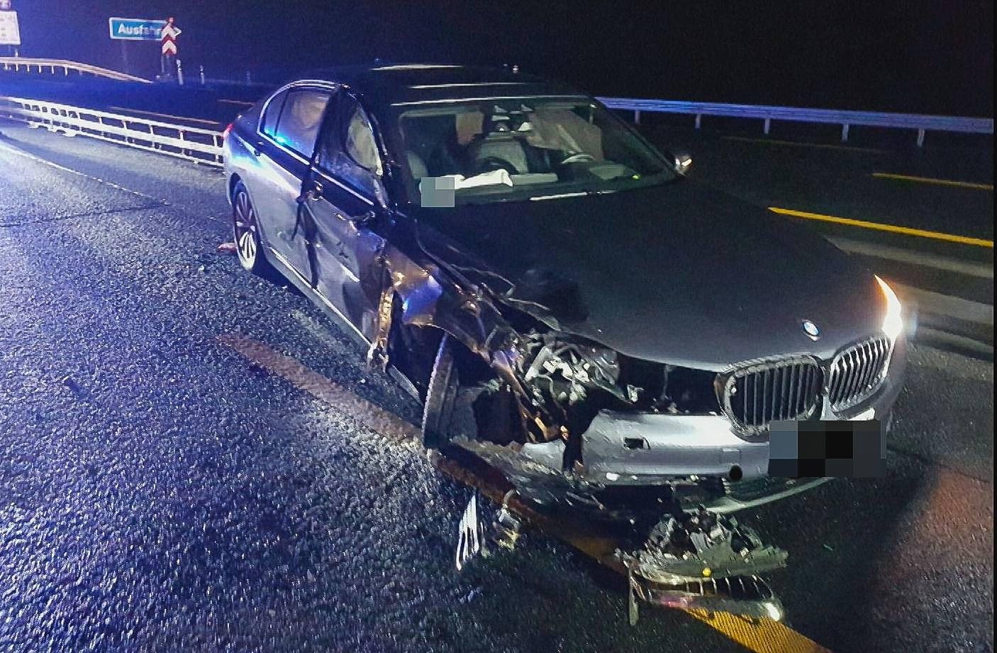 Kramp-Karrenbauer nach Autounfall im Krankenhaus
