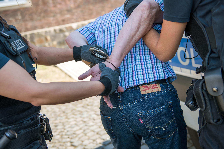 Bundespolizei verhaftet Fahrzeugführer in Neunkirchen und stellt KFZ sicher - Blaulichtreport-Saarland